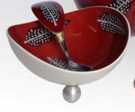 2OE-feather-burgundy-bowl,-